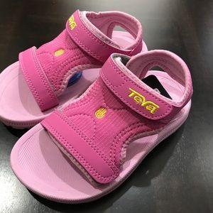 Teva Kids Psyclone Hot Pink Size 10